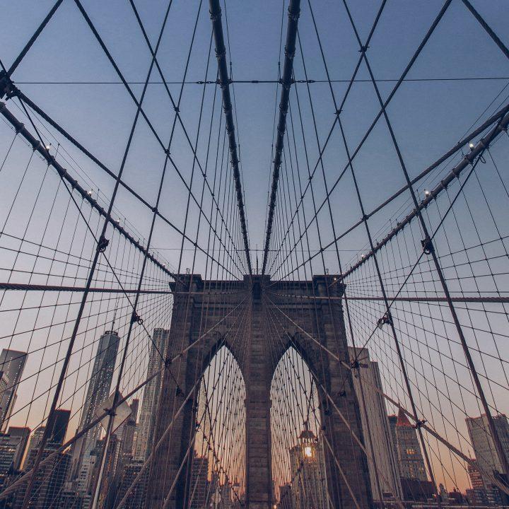 Cursos nos EUA. Foto da Brooklyn Bridge, em Nova York.