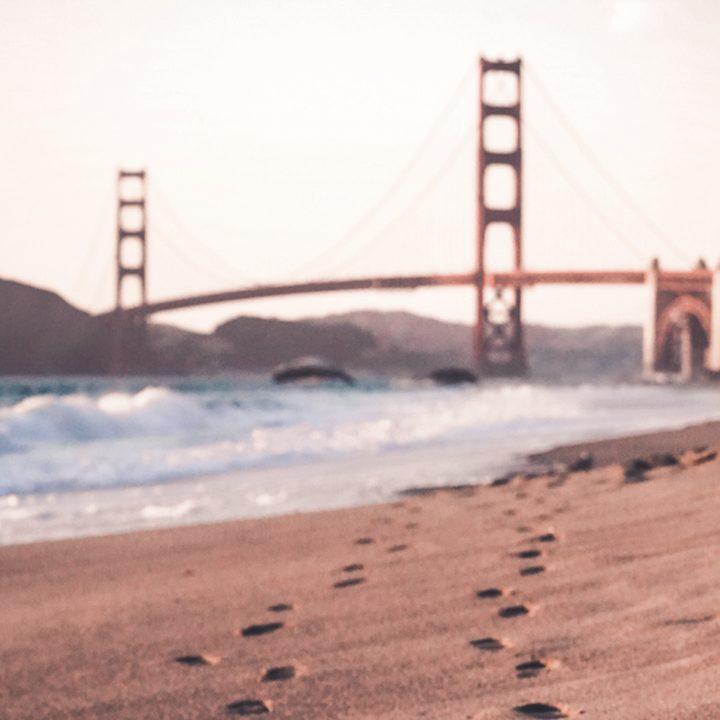 Agência de vistos para intercâmbio. Foto da Golden Gate em San Francisco.