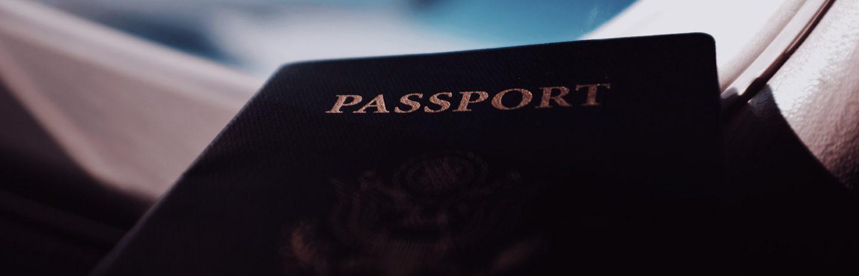 Visto para Australia na foto com um passaporte.