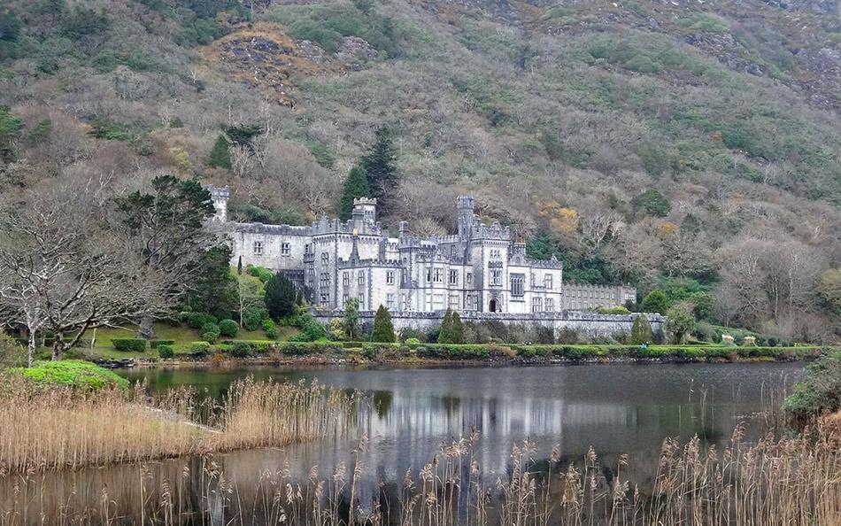 Castelo Abadia de Kylemore, ponto turístico da Irlanda