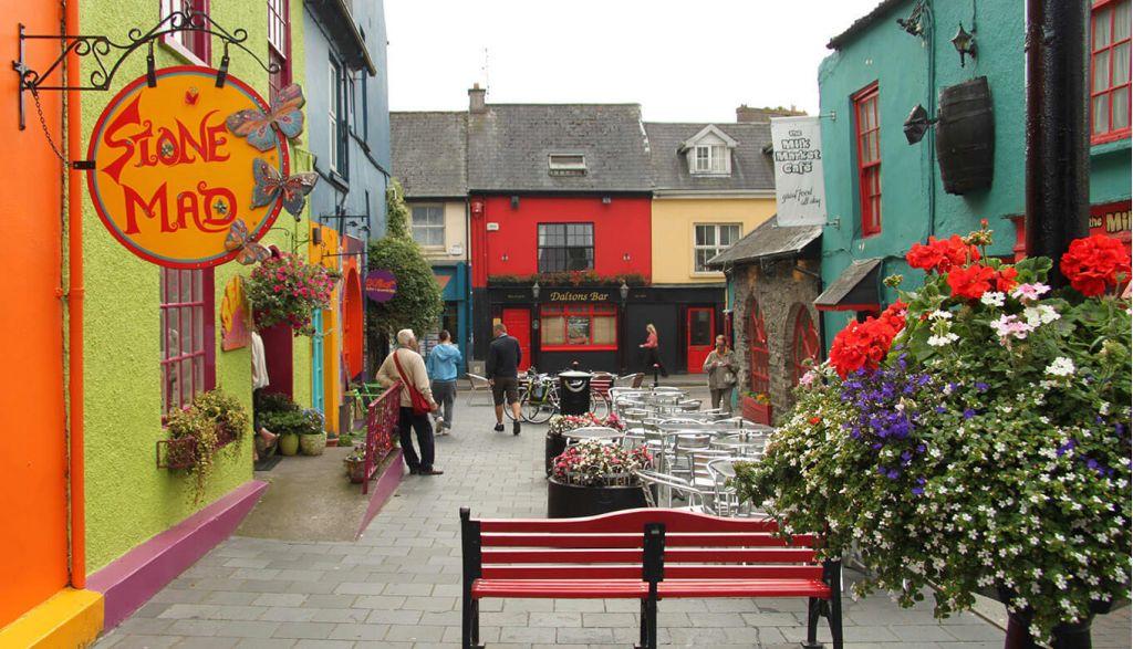 Foto da cidade de Kinsale na Irlanda